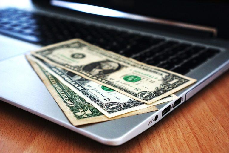 海外送金の手数料を徹底比較!安いのは銀行か送金サービス