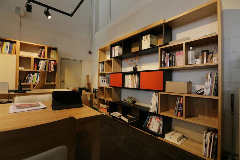 おしゃれで快適な自宅オフィスを目指してシェルフを購入